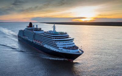 Cunards Queen Victoria eröffnet Kreuzfahrtsaison 2019 in Hamburg