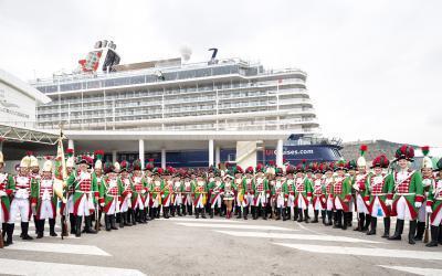 Helau, Alaaf und Ahoi: Jecken an Bord der Mein Schiff 6