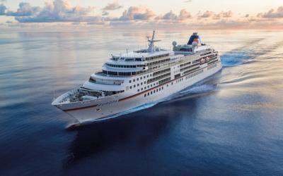 Hapag-Lloyd Cruises: MS EUROPA Beautyreise mit Stilmagazin ICON und Chefredakteurin Inga Griese