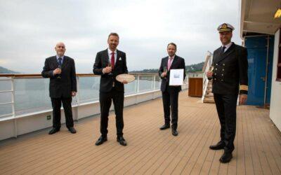 Hapag-Lloyd Cruises übernimmt HANSEATIC spirit in Norwegen