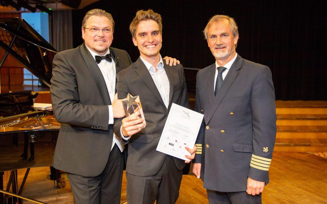 """Klassik-Gesangswettbewerb auf der EUROPA: Bariton Mikolaj Trabka gewinnt Publikumspreis bei """"Stella Maris"""""""