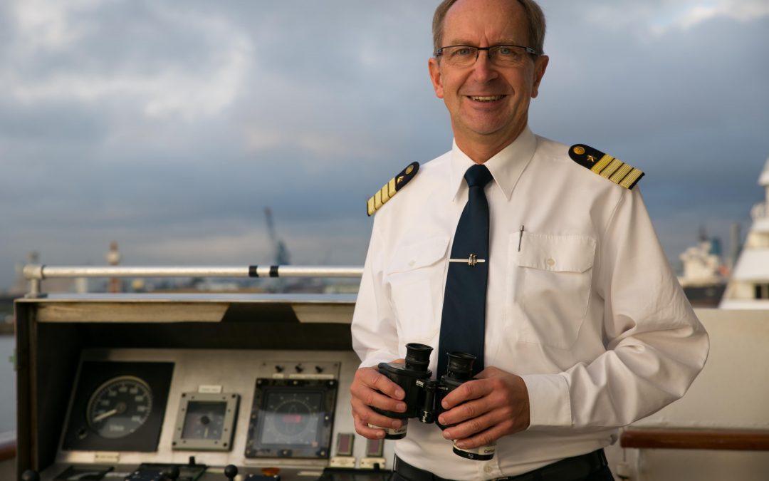 Hapag-Lloyd Cruises: Kapitäne der HANSEATIC nature benannt