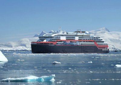 Hurtigruten_Roald-Amundsen-30.05.19_CCHafenCity