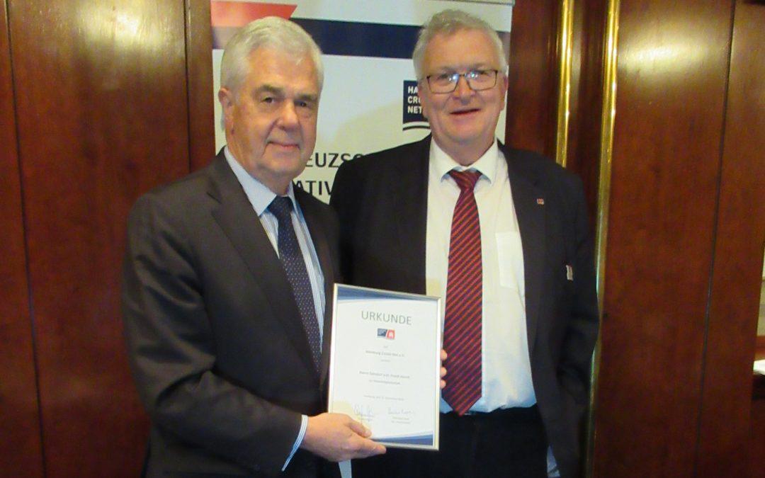 Hamburg Cruise Net ernennt Frank Horch zum Ehrenmitglied