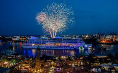 HAFENGEBURTSTAG HAMBURG: Vier AIDA Kussmundschiffe und großes AIDA Feuerwerk