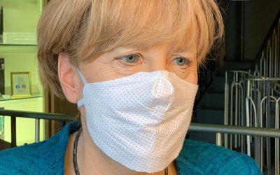 Panoptikum wieder geöffnet: Masken-Selfies mit wächsernen Promis
