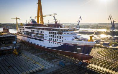Neubau HANSEATIC spirit hat erstmals Wasser unterm Kiel